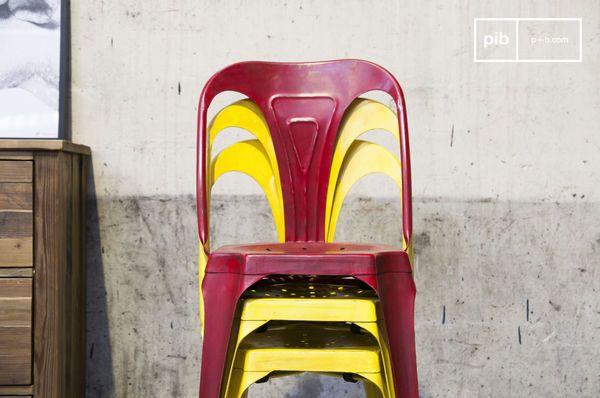 Multipls stoel in antiek geel