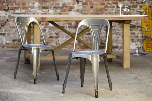 Multipls stoel van geborsteld staal