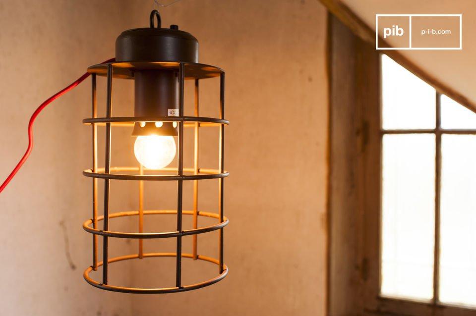 Een industriële lamp in marine stijl