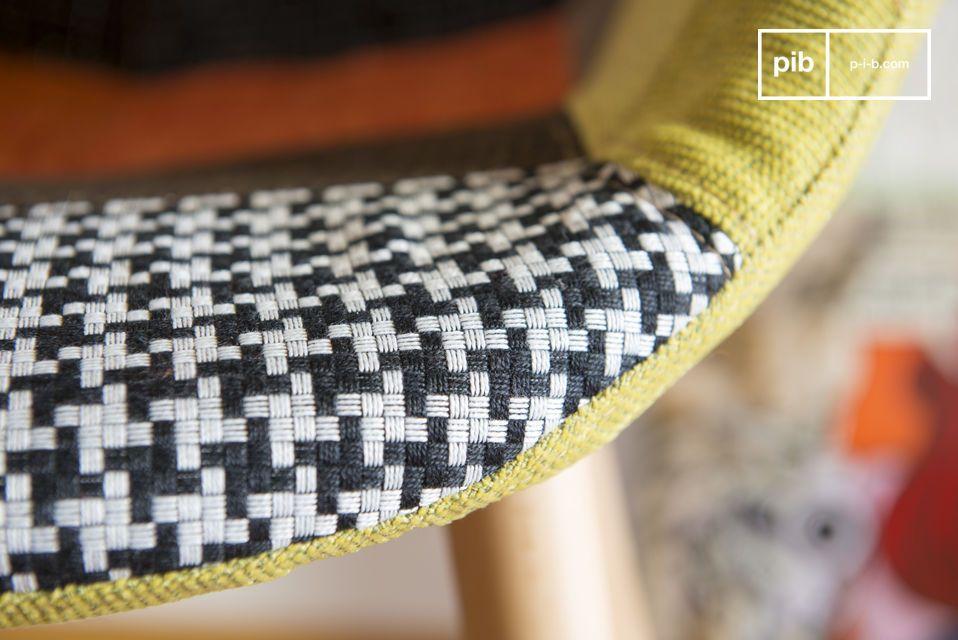 De Neo Patchwork fauteuil heeft een chique en originele uitstraling