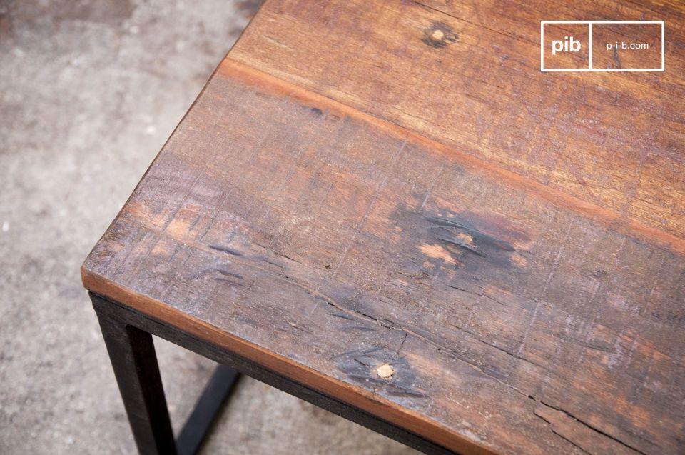 Oud massief hout en een groot formaat