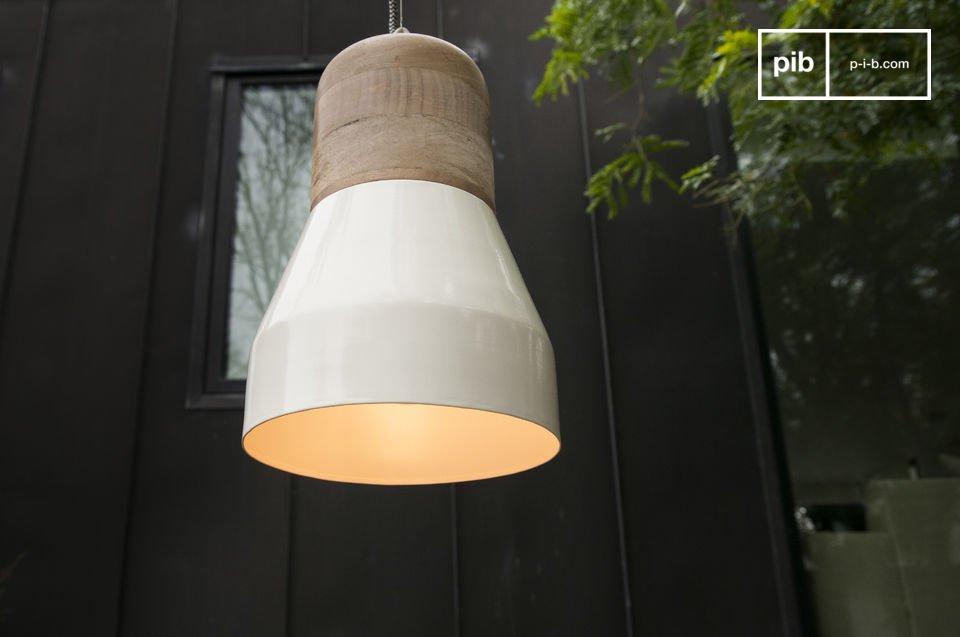 Het lichte hout en ronde design maken deze lamp Scandinavisch op een subtiele en trendy manier