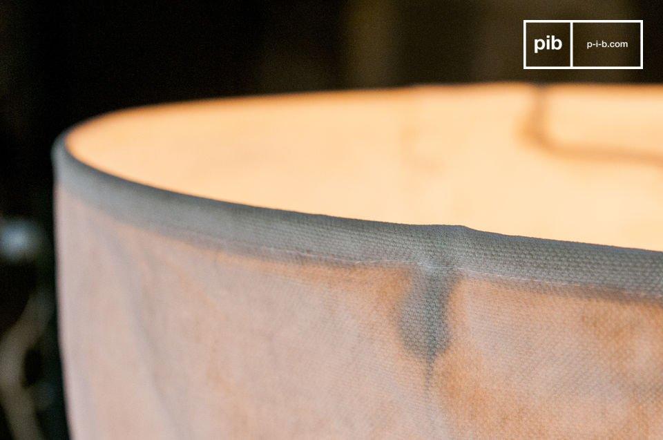 De Newport hanglamp is een prachtige lamp die je zal laten denken aan de schatrijke rommelmarkten