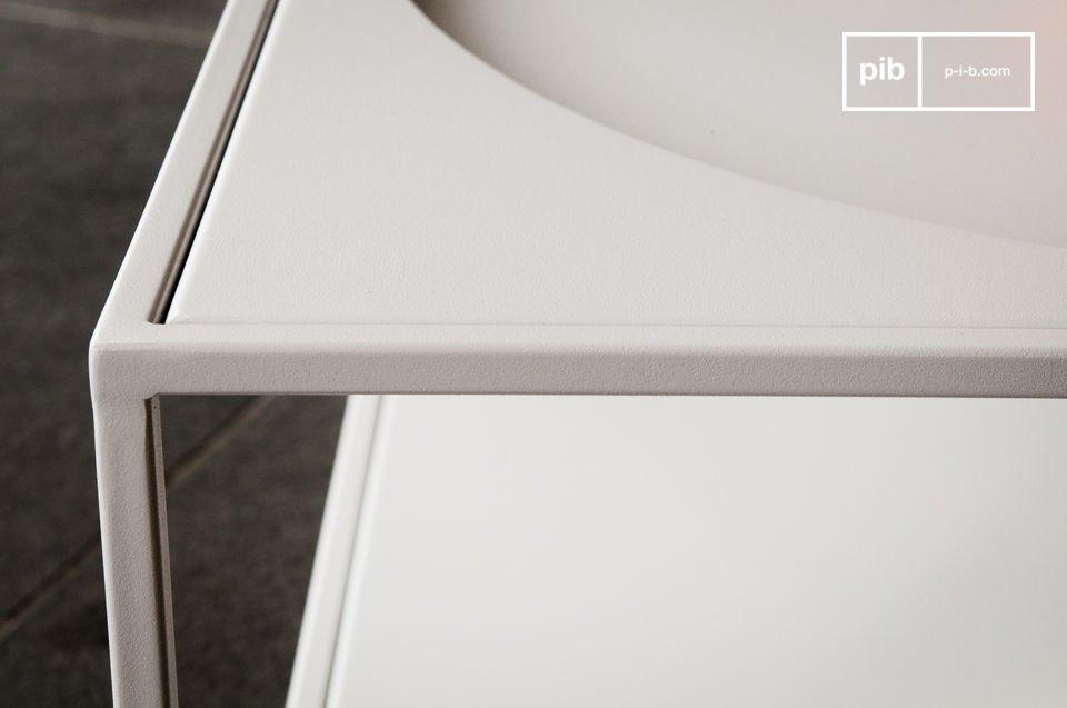 De simpele lijnen en de geometrische vorm maken dit meubelstuk uniek
