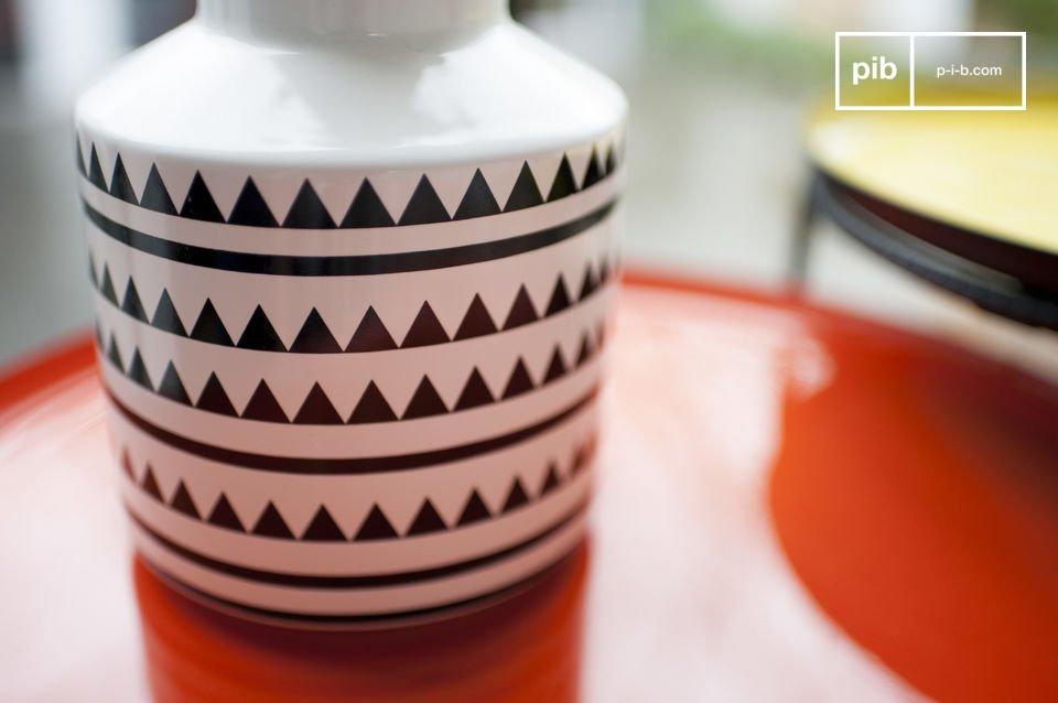 Een stijlvolle keramische vaas