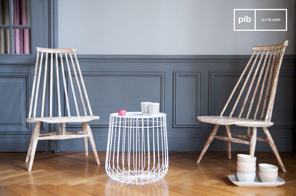 De Nordic Clous stoel laat enerzijds een indruk achter dankzij zijn vorm en aan de andere kant door