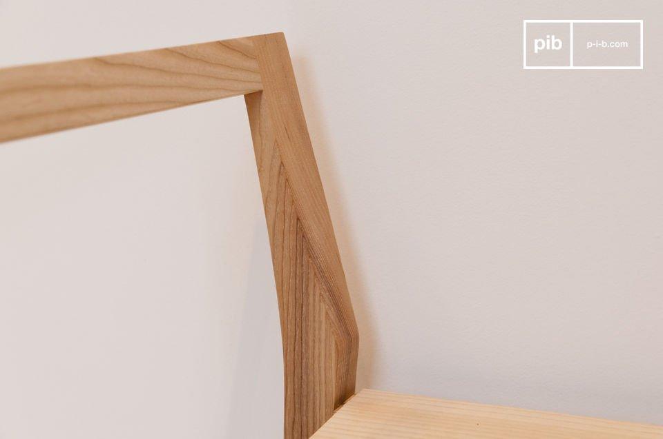 Het Nöten bankje is simpel maar stijlvol, typerend voor de Scandinavische stijl
