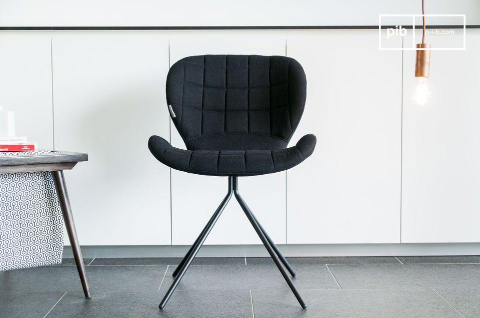Daarnaast is deze stoel elegant door zijn simpele vormen