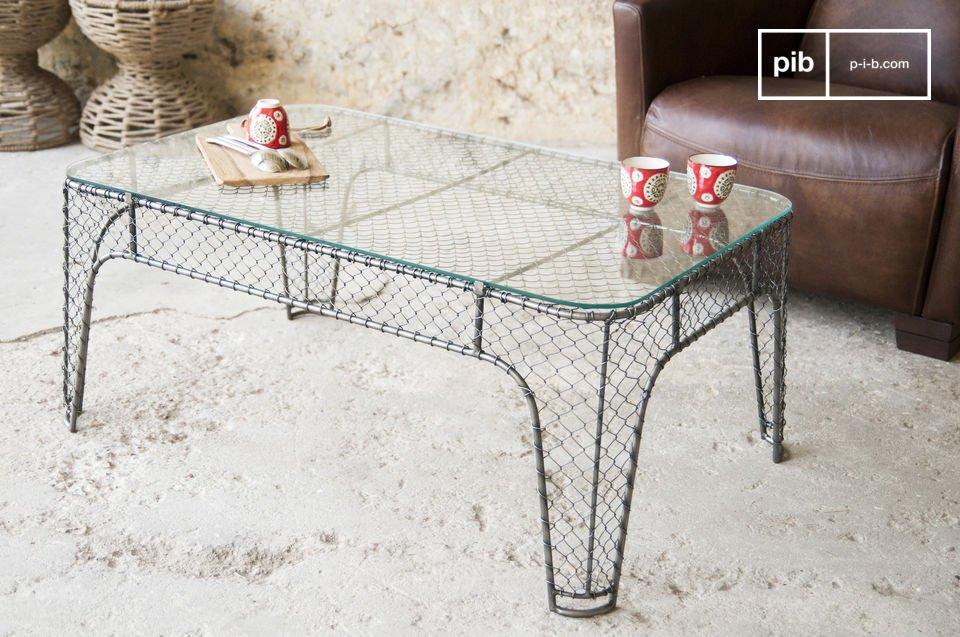 De structuur van deze tafel is volledig gemaakt van metaal