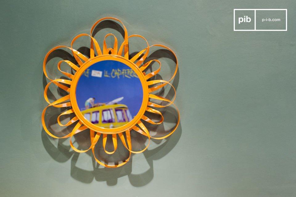 De Aurinko spiegel is een vertegenwoordig van de Scandinavische stijl uit de jaren \'60