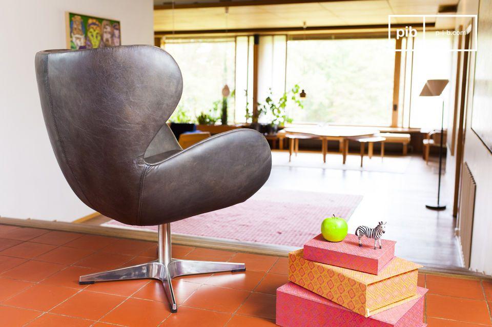 De rest van de fauteuil is volledig gemaakt uit volnerf leer met en mooie grijze bruine afwerking