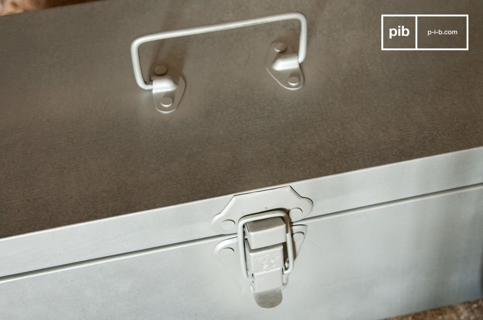 De O\'Toole opbergbox is een opslag accessoire die zeer praktisch is en je interieur een retro