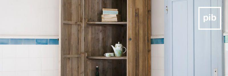 Oude collectie antieke boekenkasten in shabby chic stijl