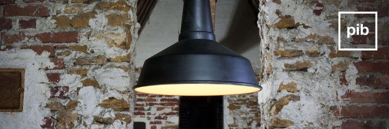Oude collectie industriële hanglampen