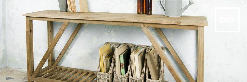 Oude collectie landelijke sidetables in shabby chic stijl