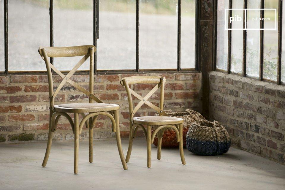 Combineer deze stoel met dezelfde stoelen of met stoelen in een andere kleur voor een speels en