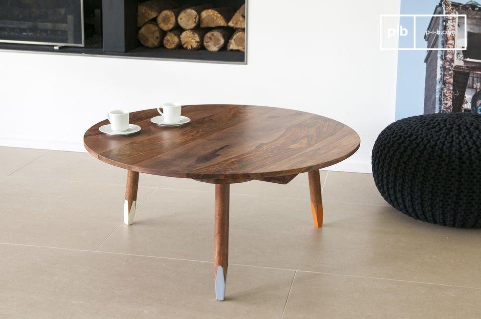 De Pencil salontafel is een elegant meubelstuk dat een Scandinavische touch toevoegt aan je