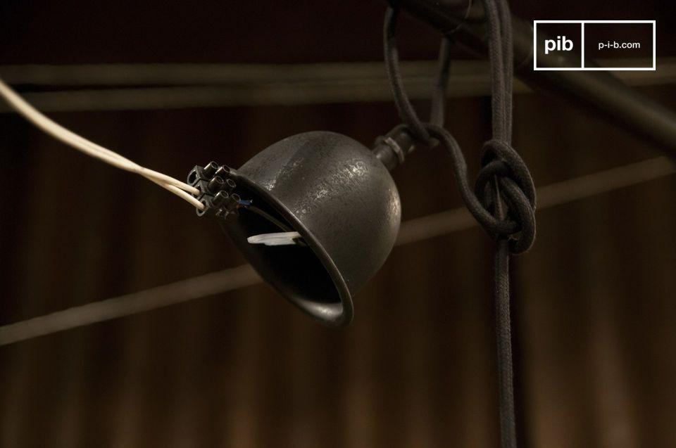 Boheemse uitstraling voor een keramische en metalen hanglamp