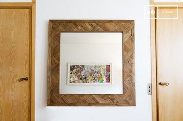 Queens houten spiegel