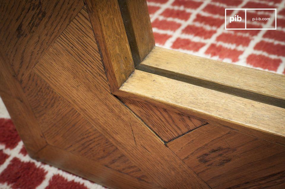 De Queens houten spiegel is een uitzonderlijk decoratief element dat karakter aan je huis zal
