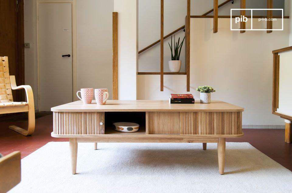 Heldere Scandinavische stijl met praktische opslag