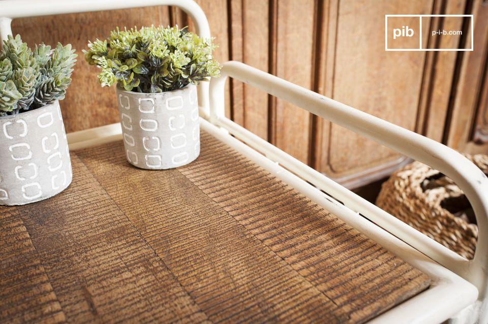 Een praktisch meubelstuk dat een retro look aan je ingang toevoegt