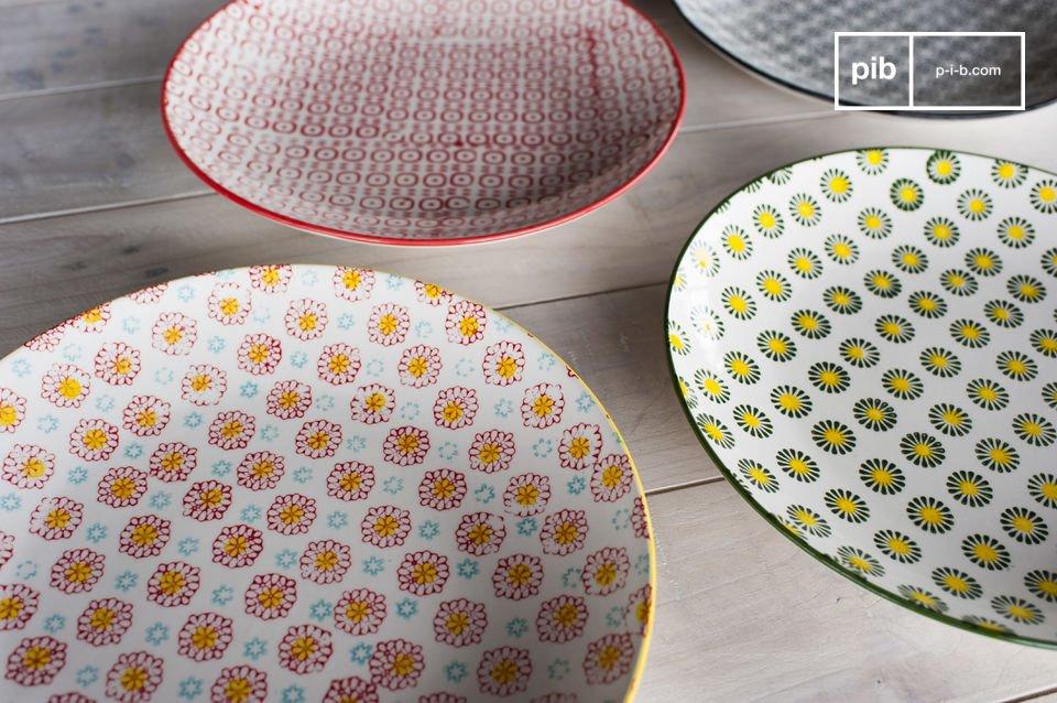 Retro borden met een kleurrijk design