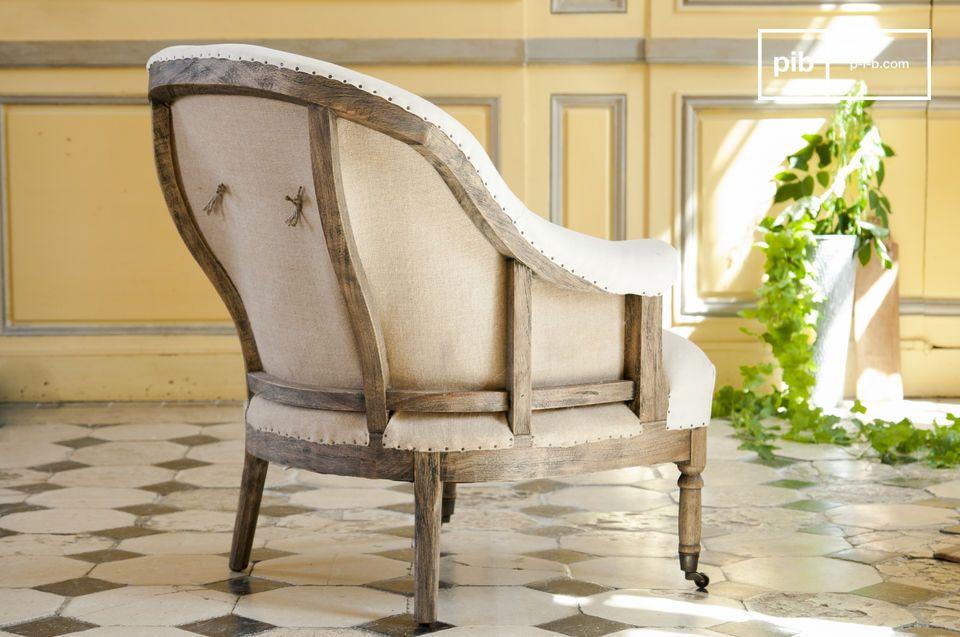 De ronde Léonie fauteuil is een leuk zitmeubel dat een bohemian touch toevoegt aan je interieur