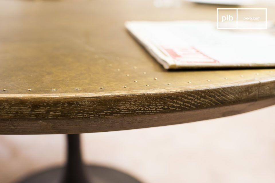 De Liverpool eettafel combineert een elegante stijl uit midden twintigste eeuw met materialen en