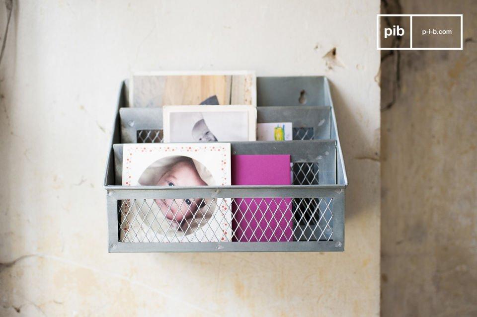 Het Sabir brievenrek is een accessoire waarme je eindelijk je bureau op orde kan brengen terwijl je
