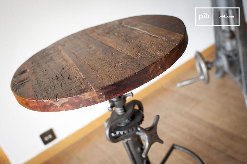 Een vleugje speelse industriële stijl voor uw hoge tafel