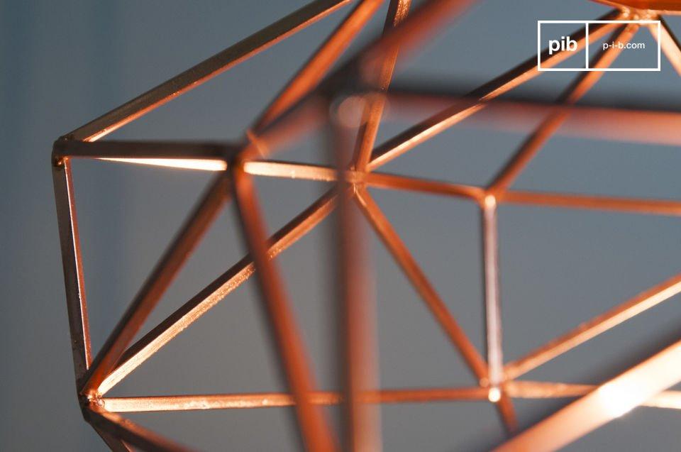 De lamp heeft geen glas om de metalen constructie en de zichtbare gloeilamp geeft de lamp een bepaalde grofheid
