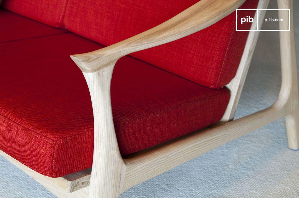 In een kleur die elegant contrasteert met het lichte hout