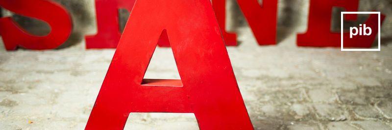 Scandinavische decoratieve letters