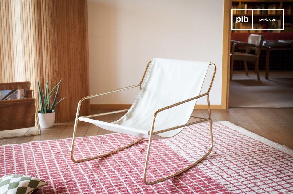 De elegantie van een Scandinavische schommelstoel met gemengde inspiraties