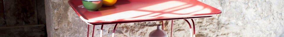 Benadrukte materialen Scarlet tafel