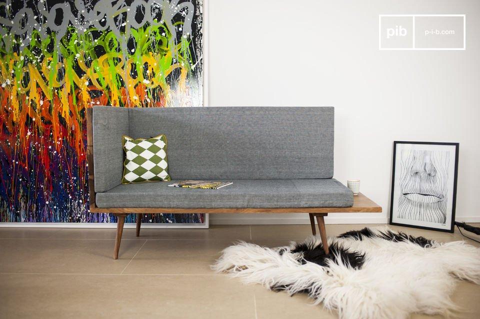 Het Sensilä bankje is een meubelstuk dat de vintage Scandinavische stijl van je woonkamer of gang