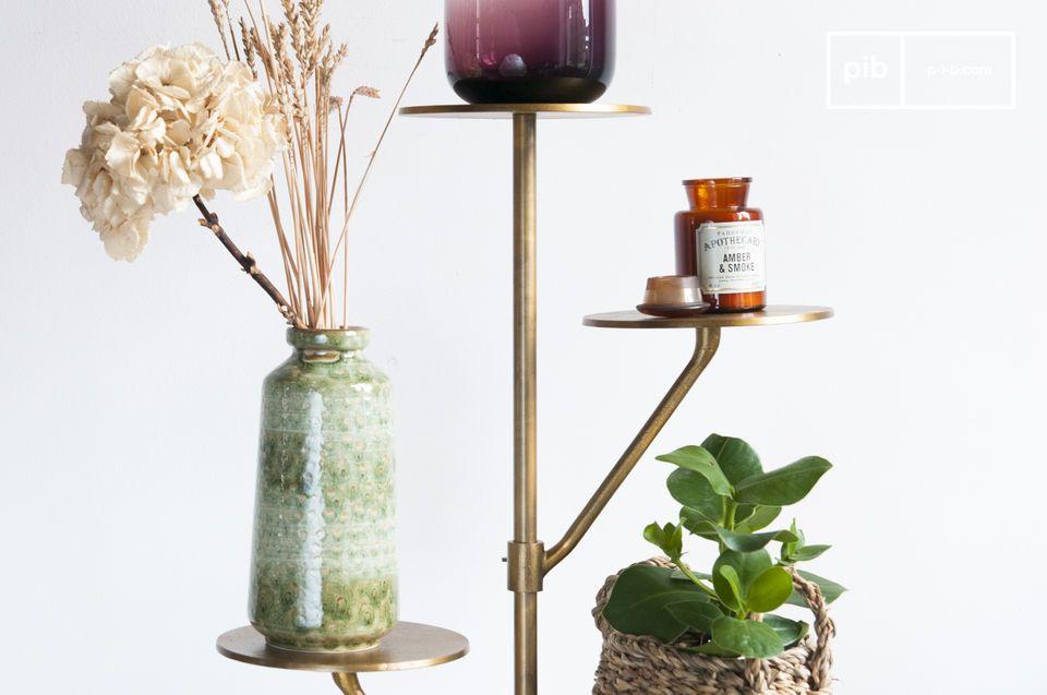 Ideaal voor planten in een woonkamer, of tassen en hoeden in de ingang