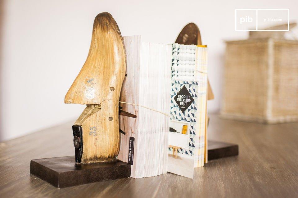 De Shoemakers boekensteunen voegen een retro touch toe aan je interieur en het zal je gasten niet