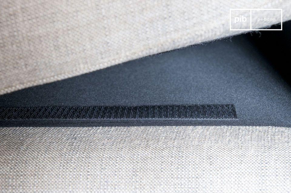 In stand gehouden door klittenbandjes, zijn de kussens verwijderbaar voor gemakkelijk onderhoud