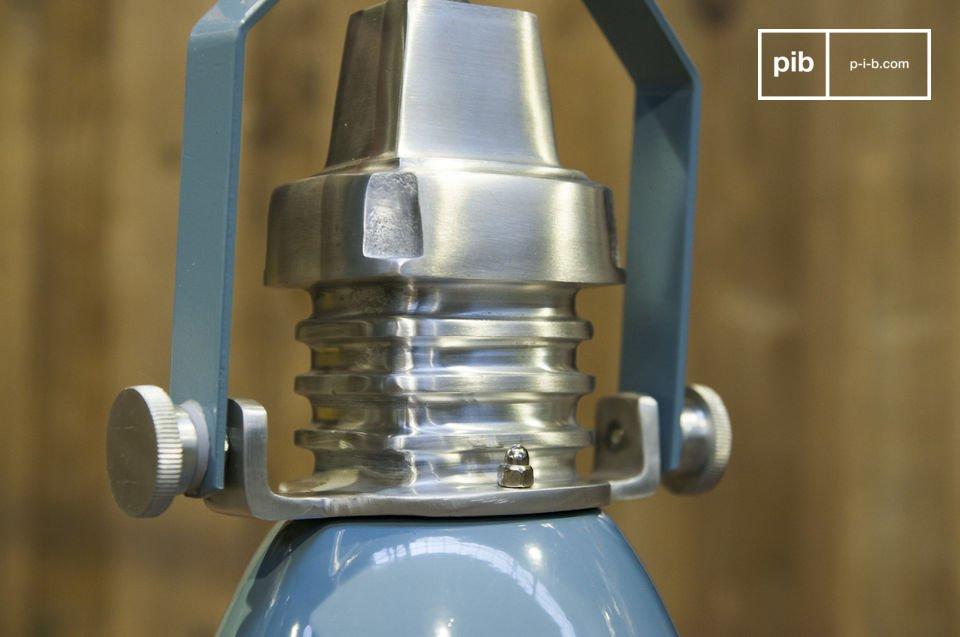 Een industriële look voor een designlamp in 100% metaal