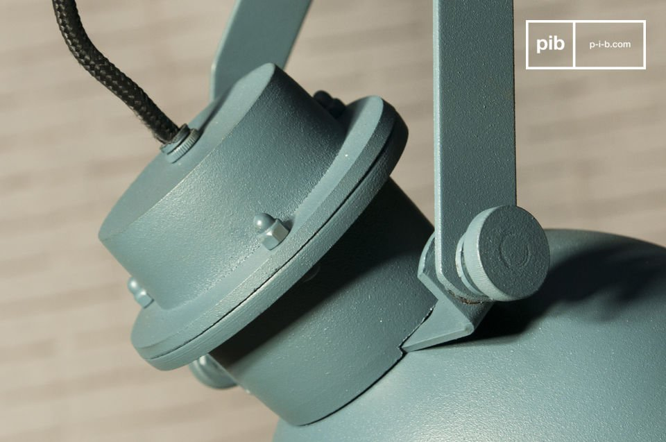 De Spitzmüller hanglamp is gemaakt in een opvallende kleur