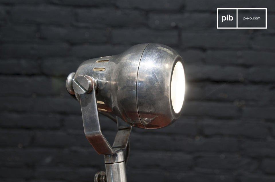 Originele industriële lamp, kan geplaatst worden op een meubel of gemonteerd aan een wand