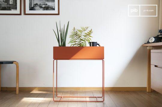 Staande plantenbak in bruin gekleurd metaal