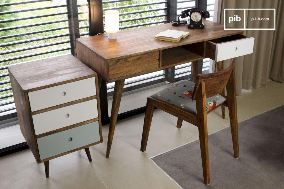 Een elegant bureau die is geïnspireerd op de vintage Scandinavische stijl