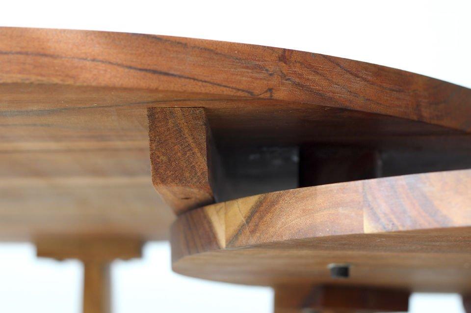 Een salontafel volledig gemaakt van geolied massief acacia hout