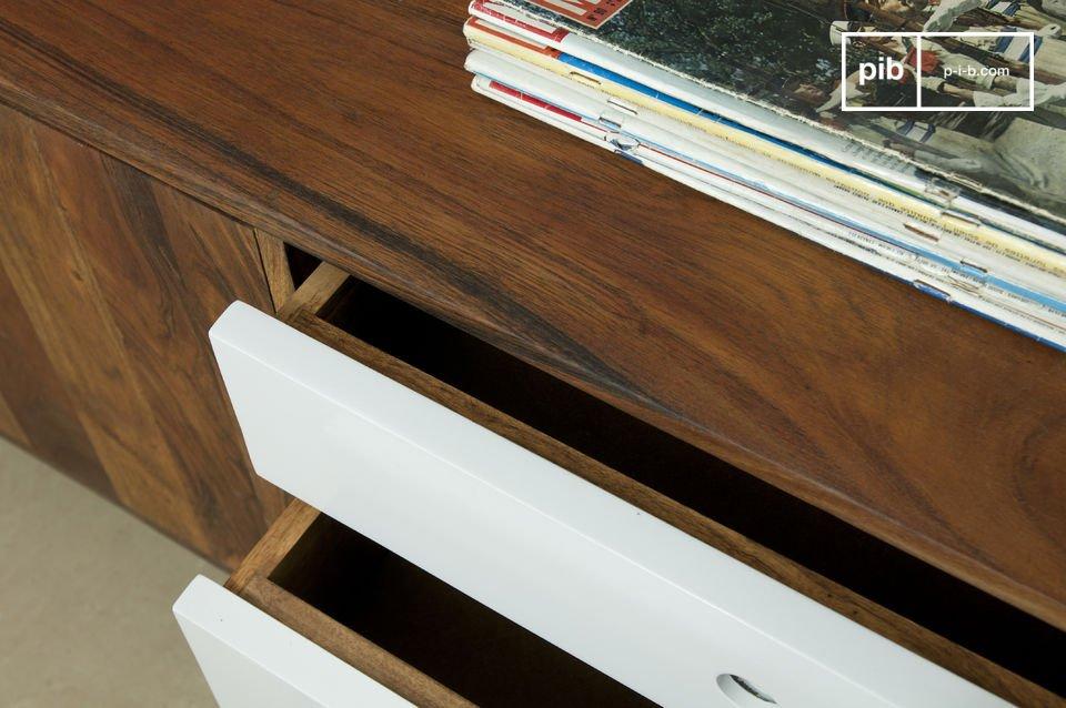 Deze sidetable is geïnspireerd op de Scandinavische design van de jaren \'50