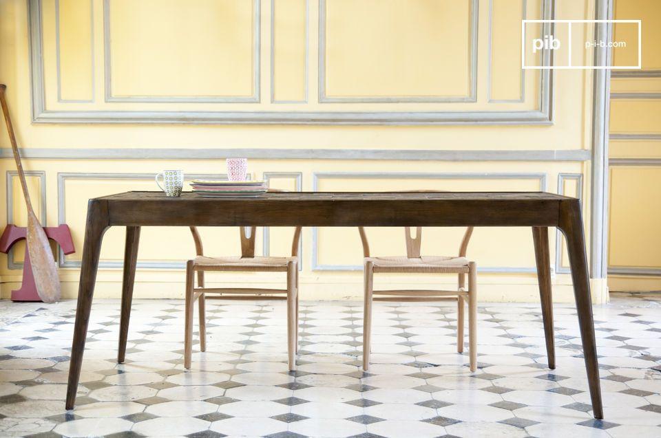 Elegante lijnen en antiek houten patchwork