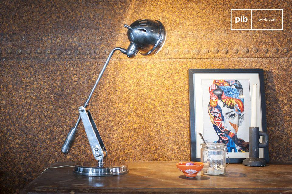 Het is het karakteristieke industriële design dat de Tafellamp Elsa zijn charme geeft