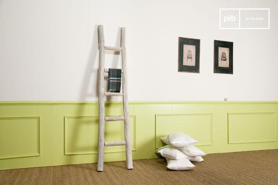 Towel-rail ladder